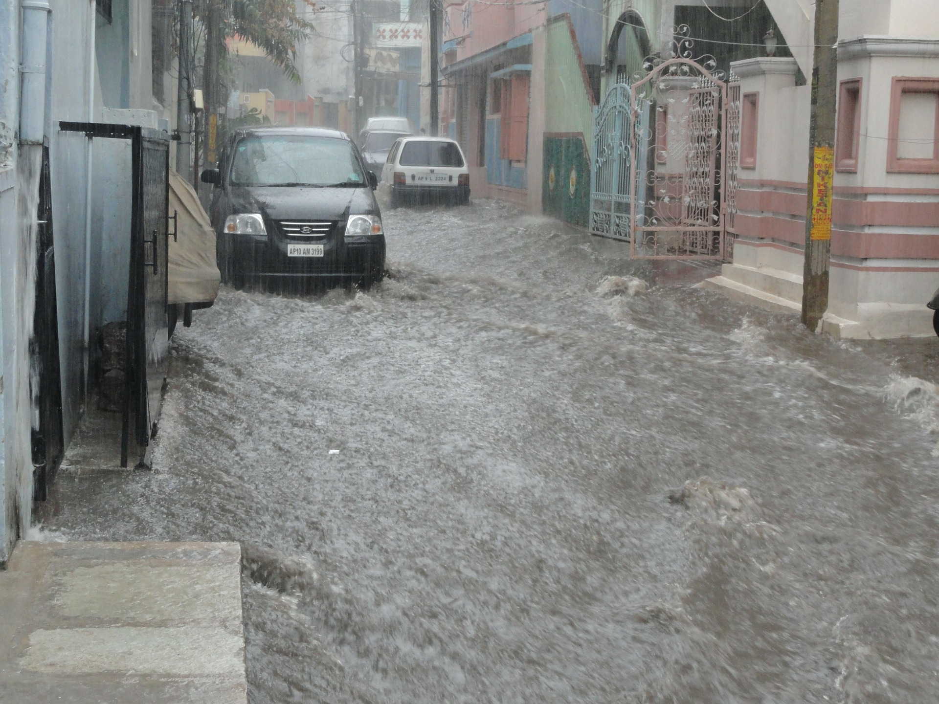 flood-62785_1920.jpg